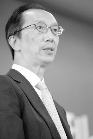 梁锦松谈PE增值:提升被投企业价值 改善管理班子