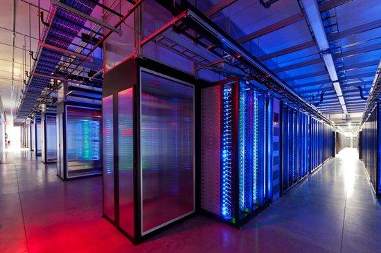 Facebook技术总监:如何管理10亿用户的数据?